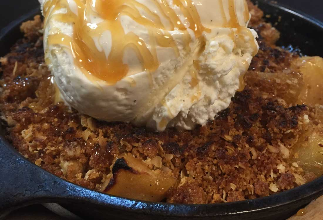 Apple Crumble | Delicious Desserts | Restaurants Allen, TX | TwoRows Classic Grill